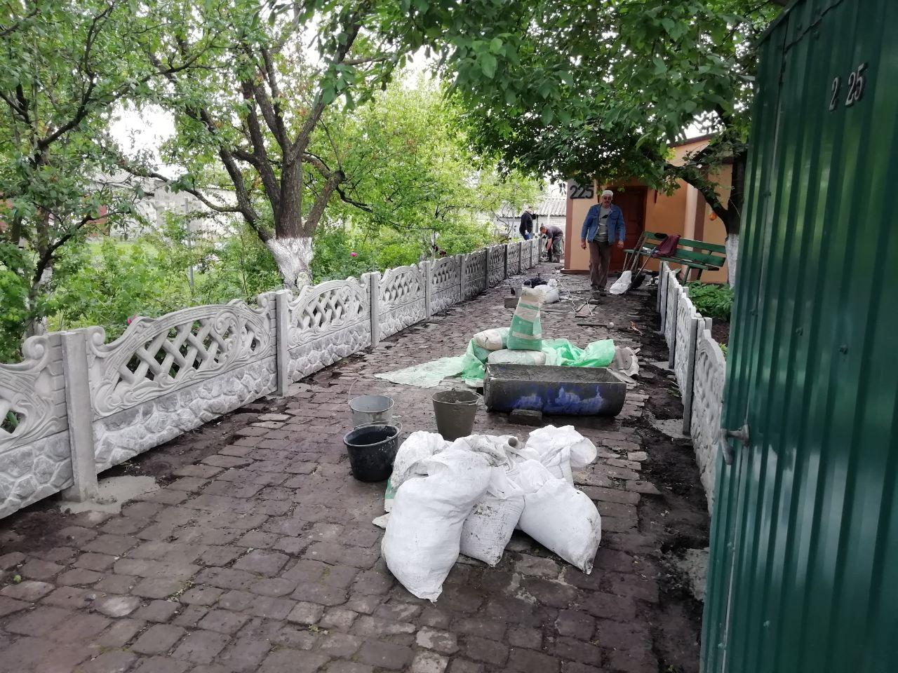 Установка бетонного забора г.Запорожье, ул.Сквороцова 225