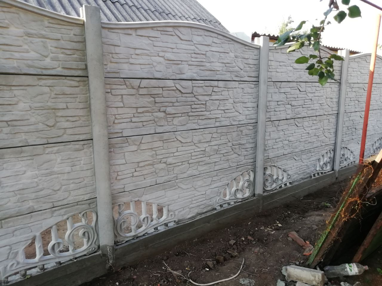 Установка бетонного забора г. Запорожье, ул.Измаильска 53