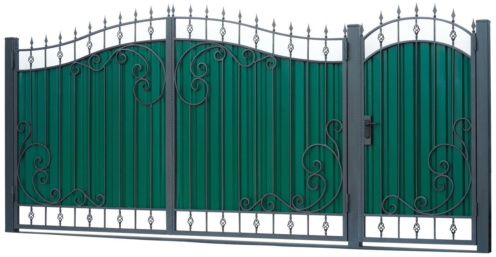 Ворота распашные с элементами ковки.