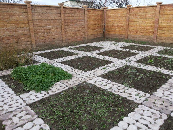 Садовая дорожка Травница